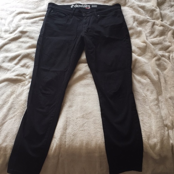 004a9081b03 Levi s Denim - Being donated 9 13  Black Levi jeans